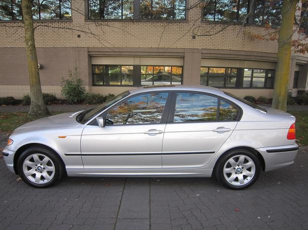 2002 BMW 325i - LOCAL VEHICLE!