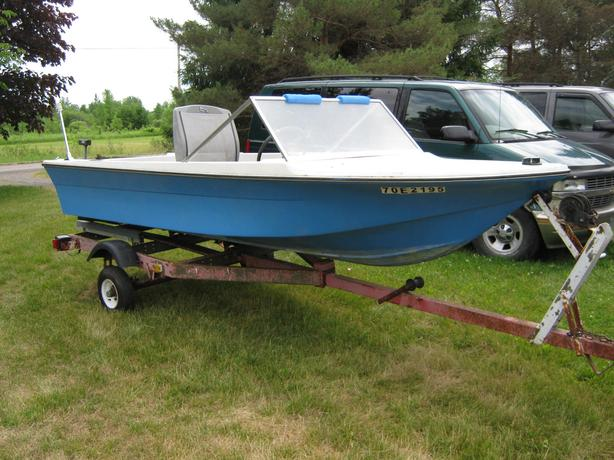 Fiberglass Runabout with trailer