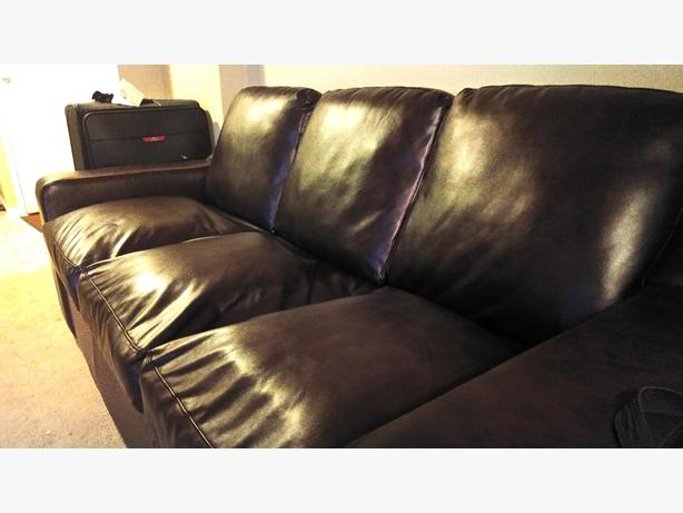 Leather couch - Chestnut, 3-pieces in VERY GOOD CONDITION!