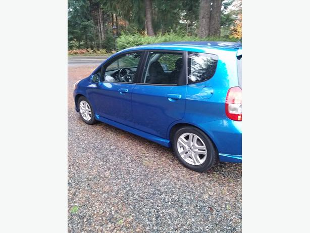 Very clean low km honda fit