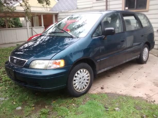 95 Honda Odyssey Van, Auto, 4 Cyl., 202,000 km