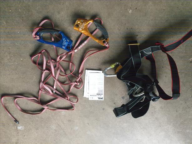 Mast Climbing Harness & Carabiners