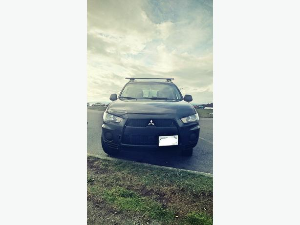 2011 Mitsubishi outlander for sale!