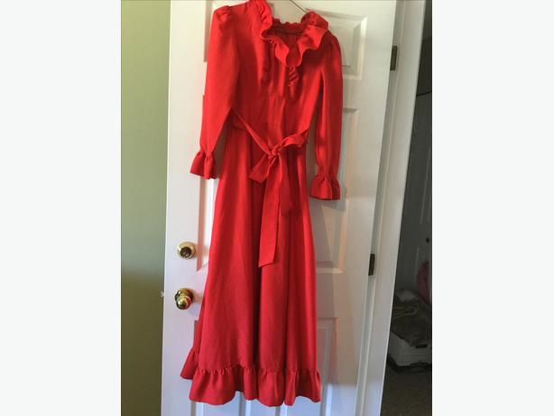 MRS. CLAUS DRESS - Lovely - Ruffles - and Santa Hat