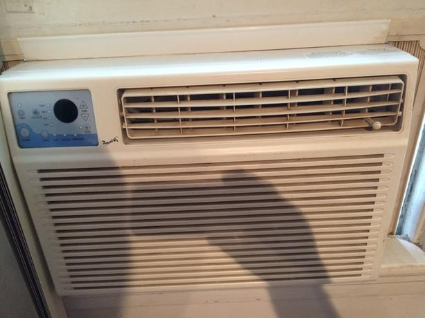 10 000 btu air conditioner nepean ottawa for 1200 btu window unit