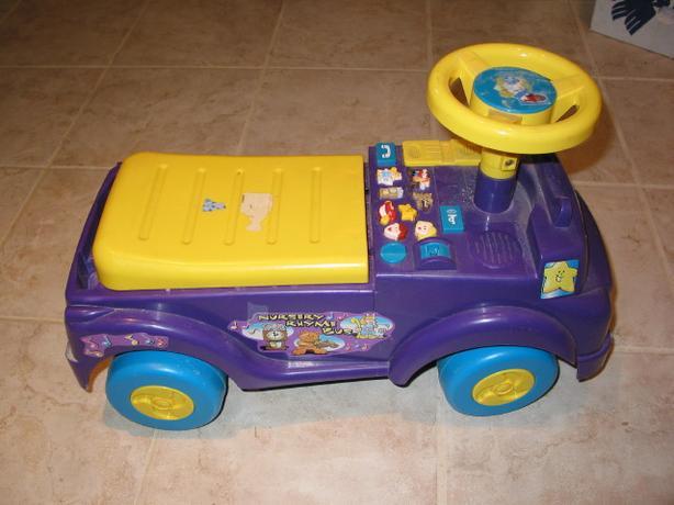 Nursery Rhyme Bus