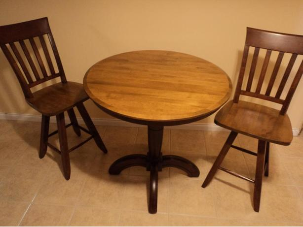 Bistro/pub kitchen table with two swivel chairs