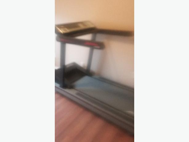 FOR TRADE: Life Fitness Lifestride 9100HR Classic Treadmill (Platinum)