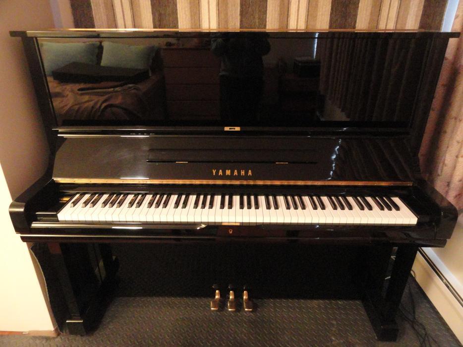 Yamaha u3 piano victoria city victoria for Yamaha piano store winnipeg