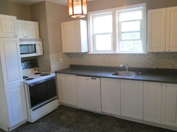 Cathedral Ave - 2bdrm Incl/Water,Dishwasher,Washer&Dryer,Parking