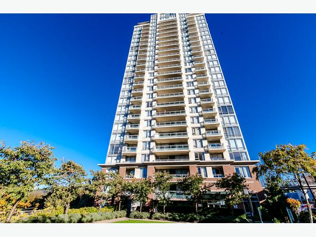 NORTH BURNABY APARTMENT WITH GREAT VIEWS!