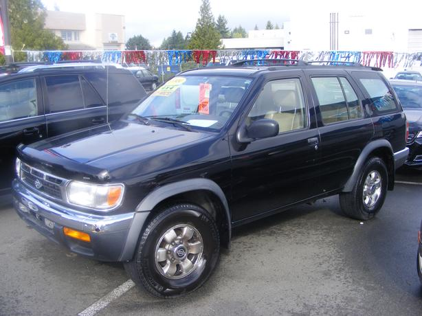 HARRIS CHEV...PARKSVILLE CLEARANCE CENTRE...99 PATHFINDER 4X4