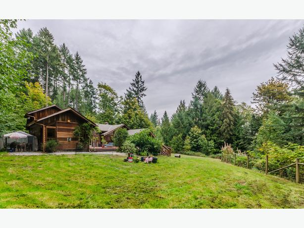 Comfortable Log Home on an Acre 5696 David Road in Cassidy