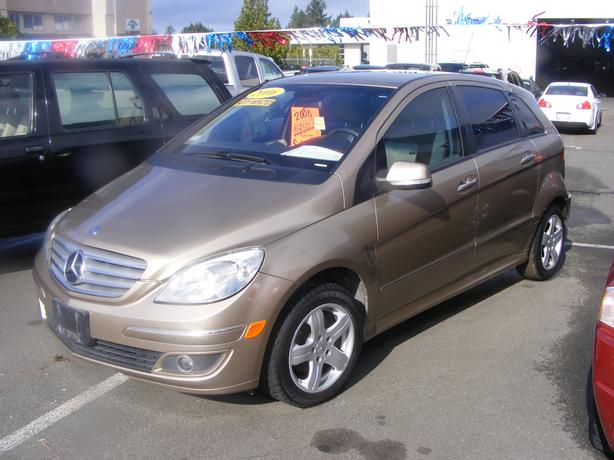 HARRIS CHEV...PARKSVILLE CLEARANCE CENTRE...MERCEDES BENZ B200 CUTE LITTLE CAR