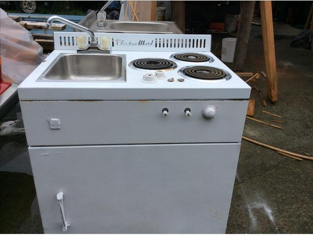 Small stove, fridge, sink units, great for small suite, cabin etc. Electric