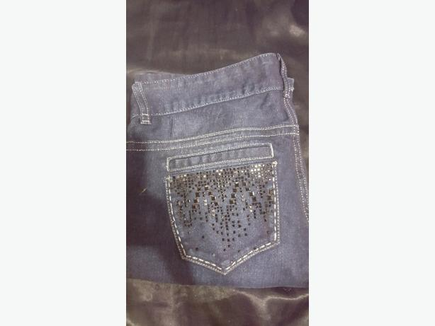 size 30 guess jeans.