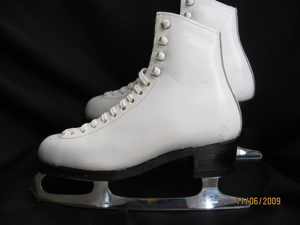 Ladies Wifa skates