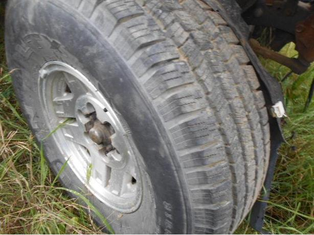 2 Tires 31x10.5 R15