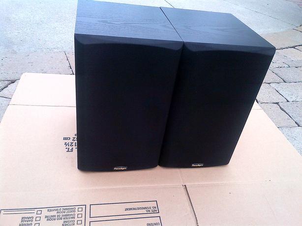 PARADIGM TITAN V3 BLACK BOOK SELF 2 WAY 100 WATT 8 OHMS SPEAKERS