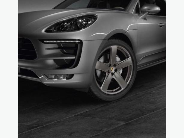 "NEW 18""Porsche Macan staggered reps(5x112)+ Michelin X-Ice snows"