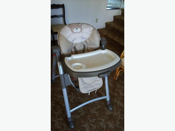 Fold up high chair