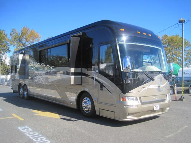2008 Country Coach Affinity 700 Diesel Pusher w/4 slide-outs #CCA7001