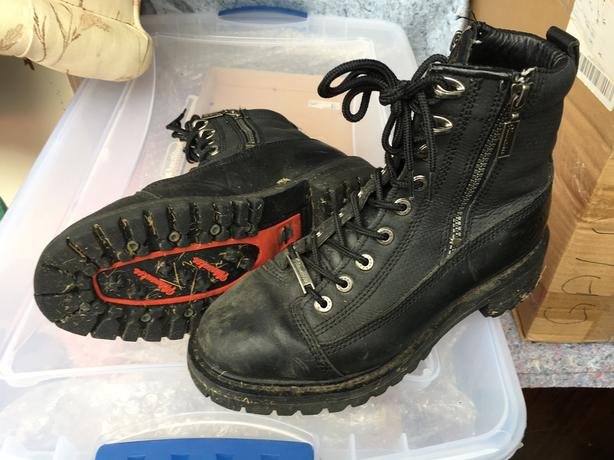Ladies Milwaukee size 8 bike boots