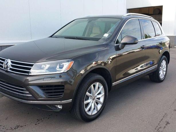 2015 VW Touareg Diesel - only 15,000 kilometers!  Like New!