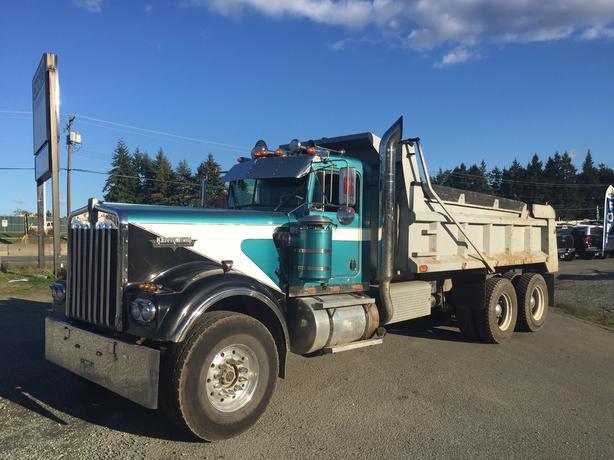 1981 Kenworth W900L Dump Truck