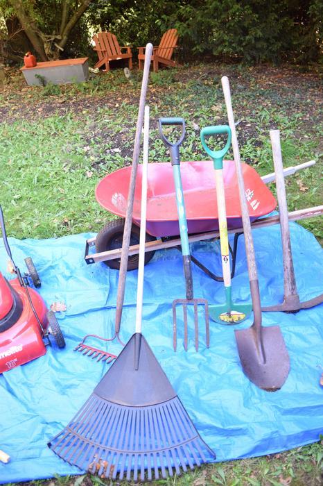 Gardening tools saanich victoria for Gardening tools victoria