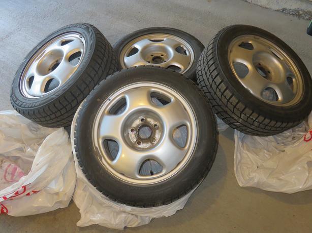 215/55R17 94T Bridgestone Blizzak WS70 Winter Tires on Rims