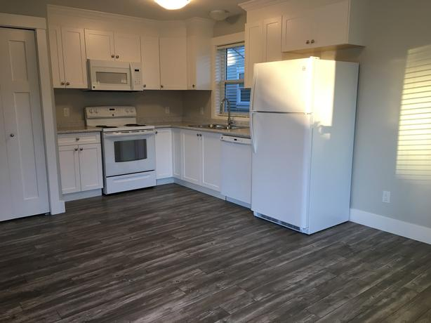 BRAND NEW 1 BEDROOM SUITE IN DIVERS LAKE