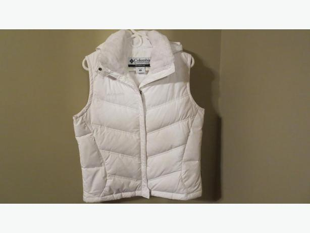 COLUMBIA DOWN WHITE VEST marked down