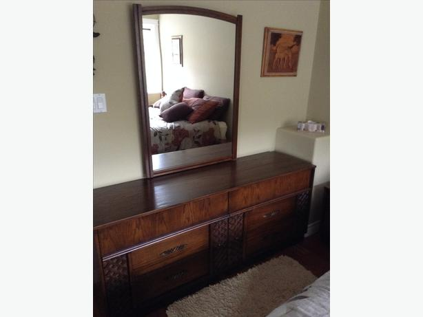 Queen Bed, Dresser n mirror, 5 drawers chest, Night Table
