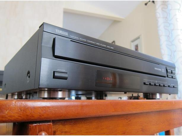 YAMAHA CDC-565 CD CHANGER CD PLAYER * NICE,  WORKS GREAT *
