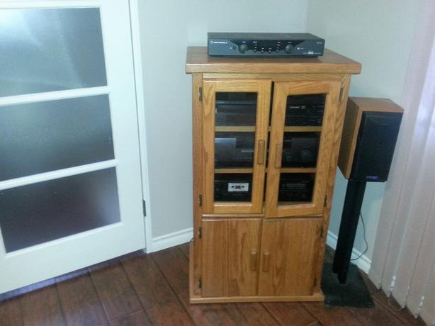 Stereo cabinet