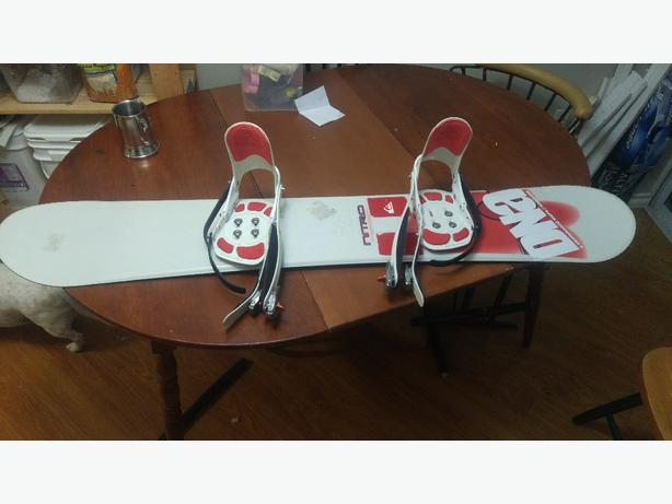 Nitro Snowboard and bindings obo