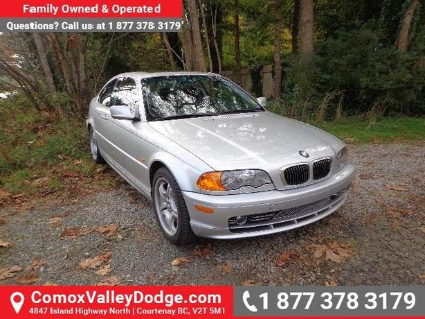 1 OWNER, LOW KMS - MANUAL, HEATED FRONT SEATS, LEATHER & SUNROOF