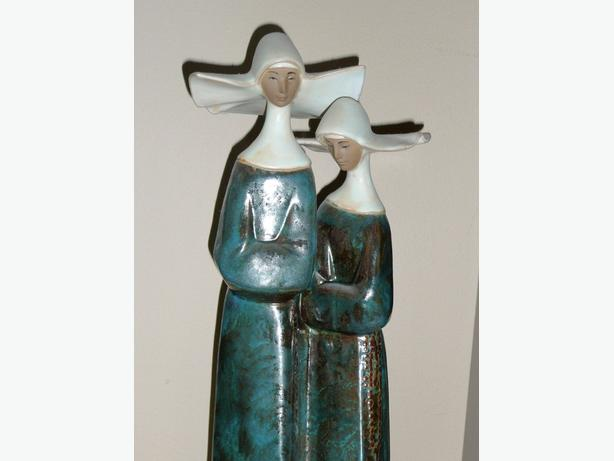 LLADRO NUNS Pair in Habits.2075 Gres Sculpture Porcelain Mint
