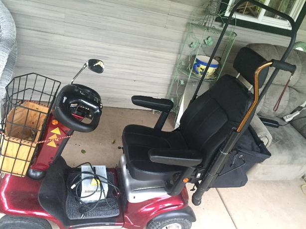 Celebrity scooter XL $900 OBO