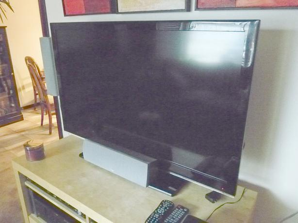 """Samsung 47"""" LCD TV Excellent condition"""