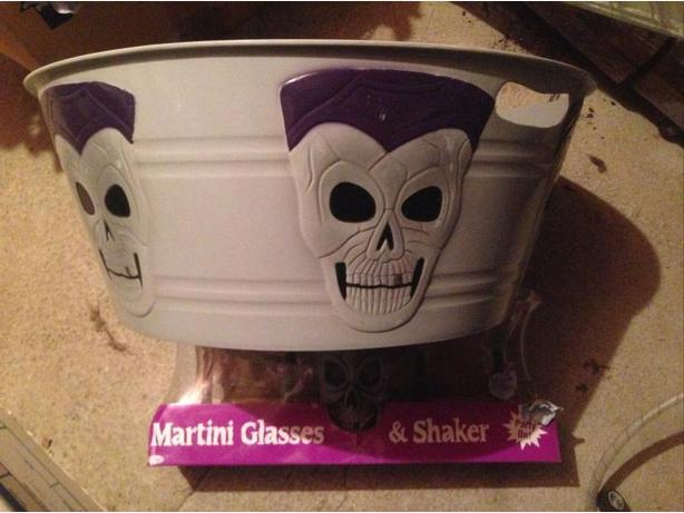 New Halloween Martini Glasses & Shaker plus large drink tub
