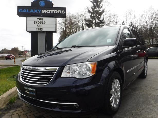 2013 Chrysler TOWN & COUNTRY Touring - 7 Passenger, Reverse Camera