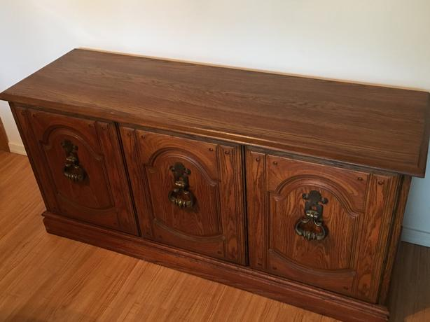 Dining Room Sideboard Cabinet - $125 (South Surrey)