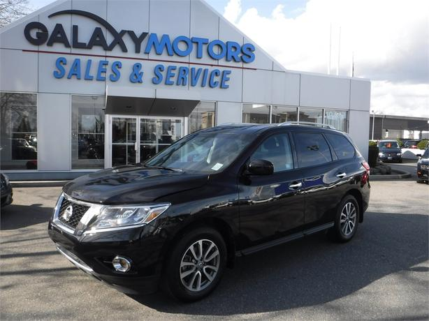 2015 Nissan Pathfinder SV - Backup Camera, Heated Front Seats
