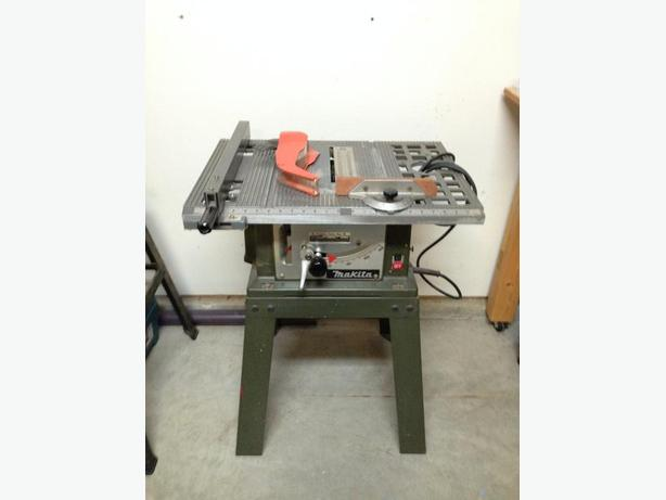 Table Saw - 8 inch Makita with Stand