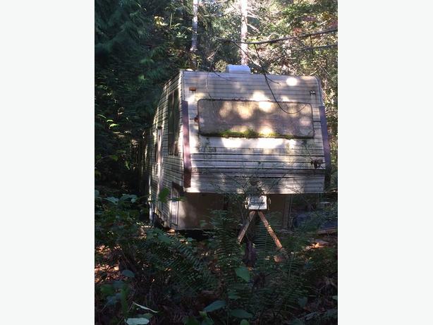 FREE: 1988 35' 5th Wheel Trailer - Classic by Kit (Qualicum Beach)