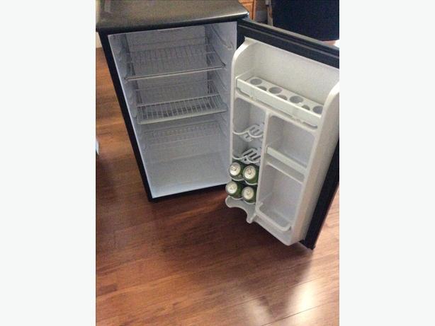 Danby bar fridge 100.00 .. FIRM..