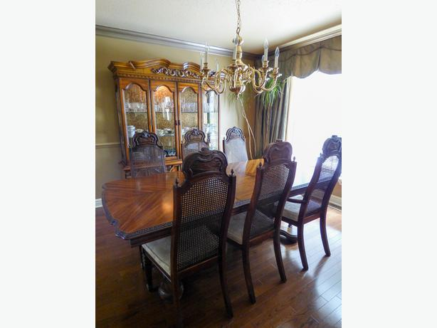 Formal 9-Piece Dining Room Set