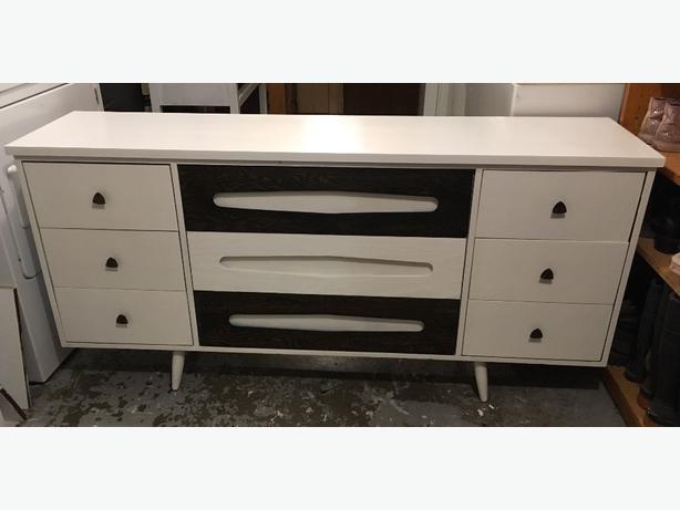 Mid century dresser /sideboard